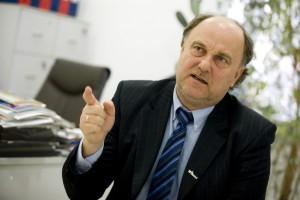 Prof. Selmaj: dobierając terapię trzeba pamiętać, że SM to choroba na całe życie