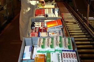 Sprzedaż leków z apteki do hurtowni nielegalna. Mimo to kwitnie