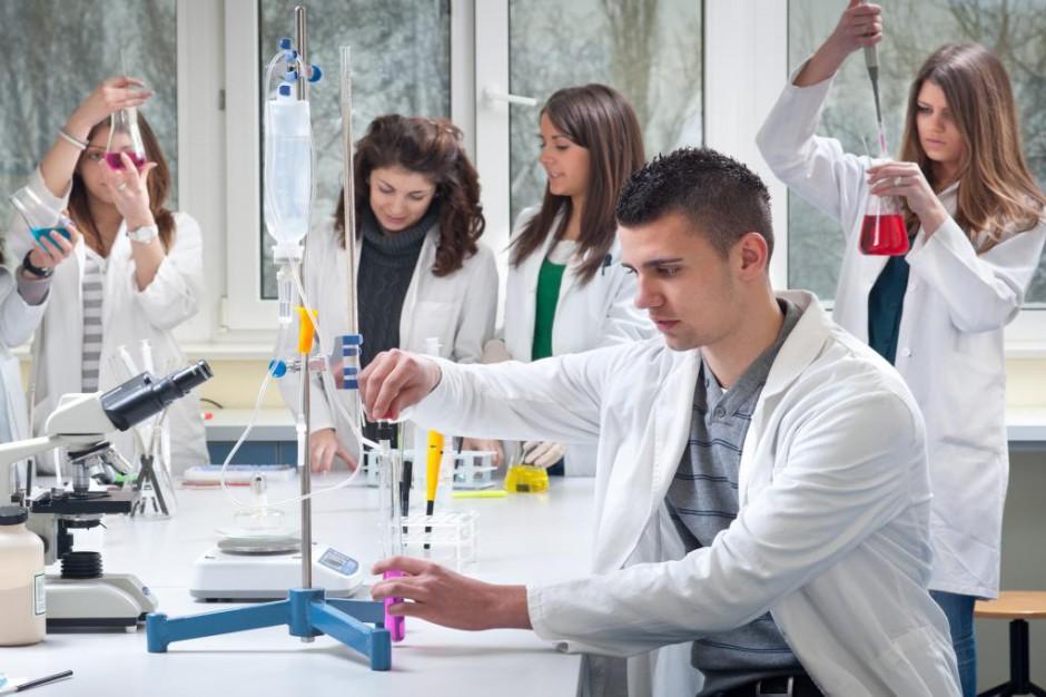 Uniwersytety chcą kształcić lekarzy