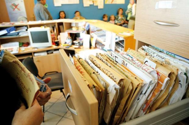 Nowe deklaracje wyboru lekarza, pielęgniarki, położnej - w przychodniach łapią się za głowę