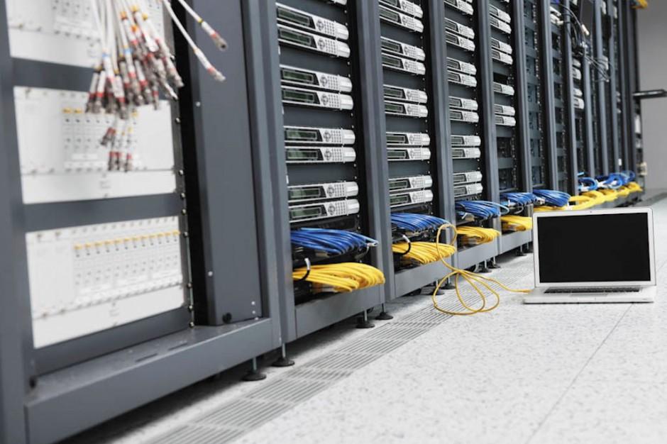Umowa ws. wykorzystania w laboratoriach systemu informatycznego