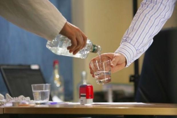 Krótki test odpowie, czy cierpisz na ukryty alkoholizm