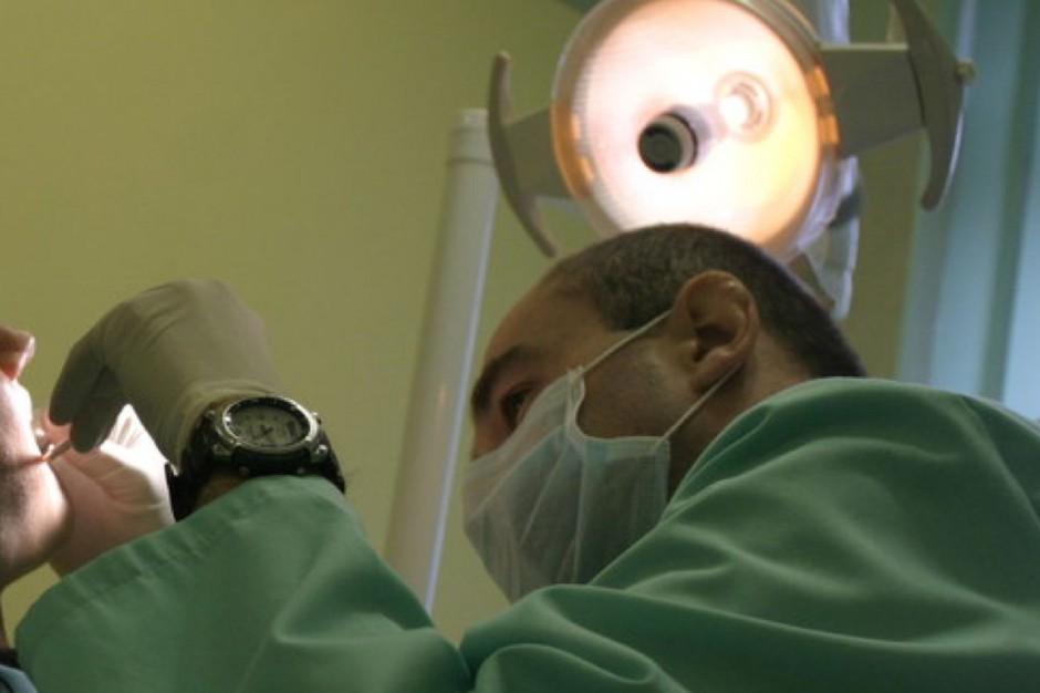 Tarnów: niższe kontrakty na stomatologię, kolejki urosną