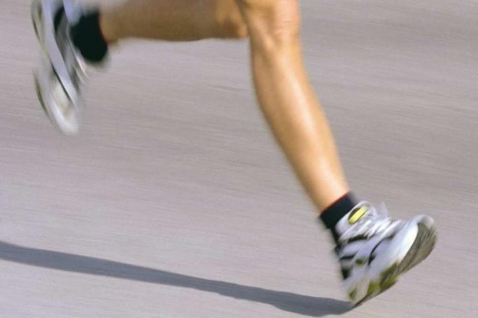 Mechaniczna proteza stawia dzieci na nogi
