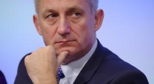 """Neumann ostro: minister Radziwiłł chce """"wycinać"""" szpitale"""
