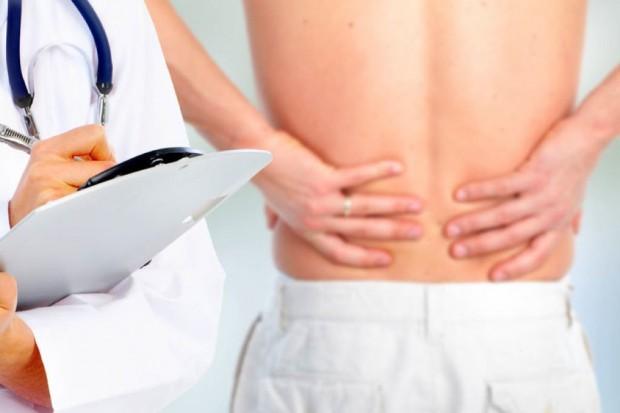 Specjaliści: bóle krzyża u młodych osób mogą być objawem groźnej choroby