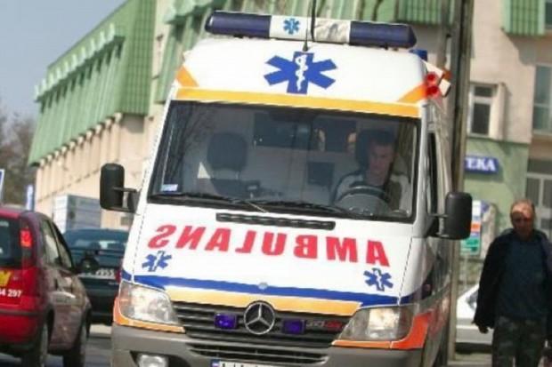 Bełchatów: wypadek karetki, ranne cztery osoby