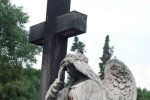 Małopolskie: ulewa podmyła cmentarz ofiar cholery