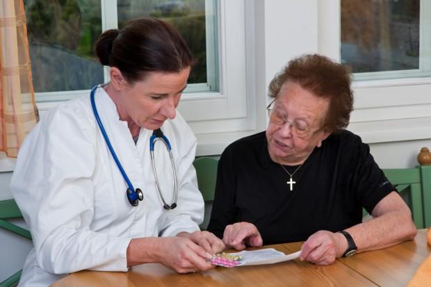 Lekarze rodzinni chcą bieżących informacji o leczeniu pacjenta przez specjalistę