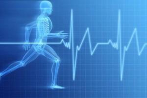 Piła: zawodnik zmarł podczas triathlonu - nie wiedział, że ma problem z sercem