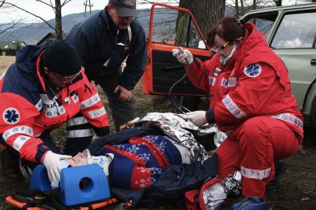 Pielęgniarstwo ratunkowe: zawód potrzebny, trudny, niepopularny i źle opłacany