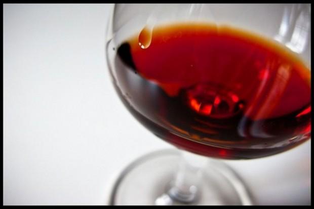Kardiolog: wino korzystne tylko dla tych, którzy ćwiczą