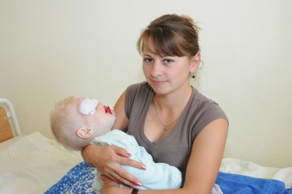 Katowice: pomyślna operacja zaćmy u dziecka z Ukrainy