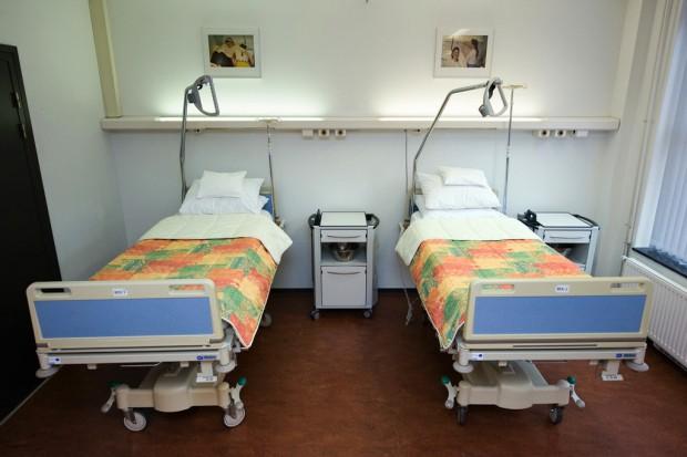 Nowe przepisy zniechęcą do leczenia poza krajem?