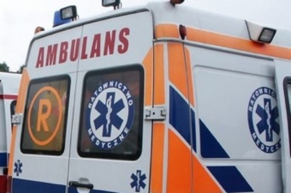 Katowice: rzucali kamieniami w ambulans