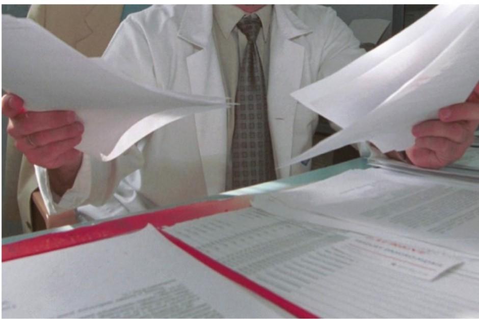 Samorząd lekarski publikuje wzór wypowiedzenia klauzuli opt-out