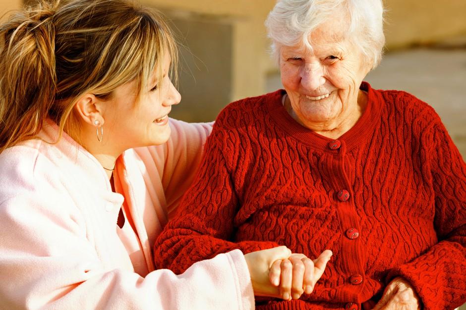 Raport stołecznej Caritas: pomogła 1200 chorym