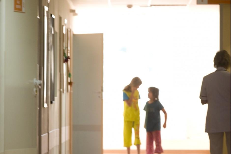 Kraków: pełne obłożenie w szpitalach pediatrycznych