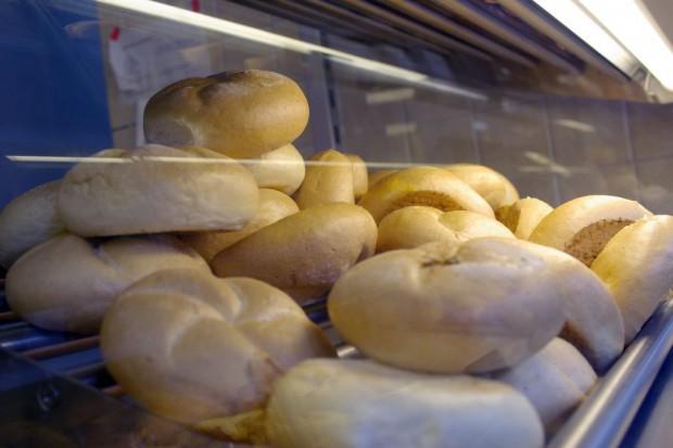 Drożdżówki i pszenne pieczywo wrócą do szkolnych sklepików?