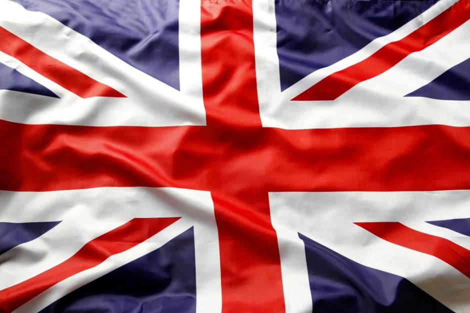 Wlk. Brytania: rząd poprosił o pomoc emerytowanych lekarzy i pielęgniarki
