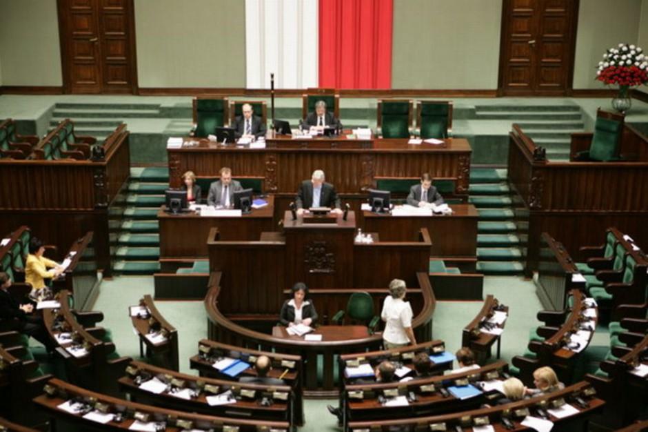 Informacja ws. warunków terminacji ciąży wypadła z obrad Sejmu, było za to o Atramie