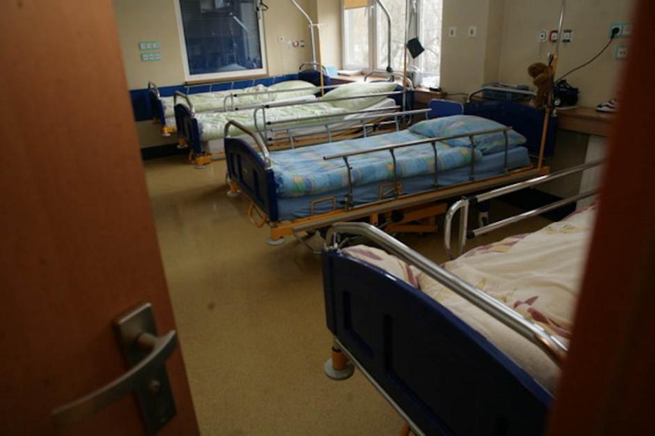 W warszawskim szpitalu odkryto ognisko groźnej bakterii