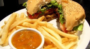 Śląskie: sanepid szuka klientów McDonald's w związku z zakażeniem