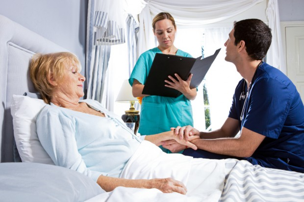 MZ: może powstać pakiet dotyczący opieki paliatywnej i hospicyjnej