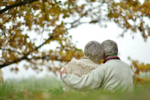 Samotność zabija; najczęściej 6 lat od przejścia na emeryturę