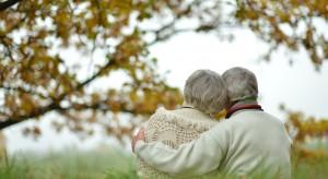 Eksperci: osoby z demencją wymagają pomocy. Ich opiekunowie także