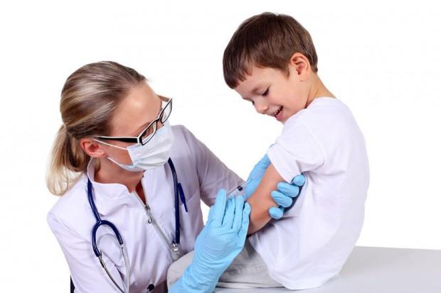 Pediatrzy chcą więcej szczepień, resort zdrowia nie ma na to środków