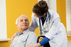 Białystok: ten program dotyczy przemocy wobec seniorów, współtworzyli go lekarze