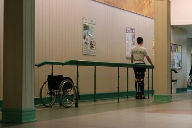 Łódź: pomagają w reedukacji chodu niepełnosprawnych dzieci