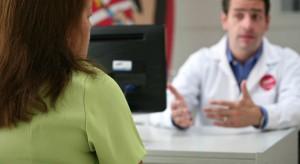 Przez ile sekund lekarze słuchają pacjenta zanim mu przerwą? Amerykanie obliczyli, że to...