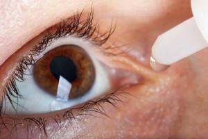 Badania: oczy z soczewkami bardziej narażone na infekcje
