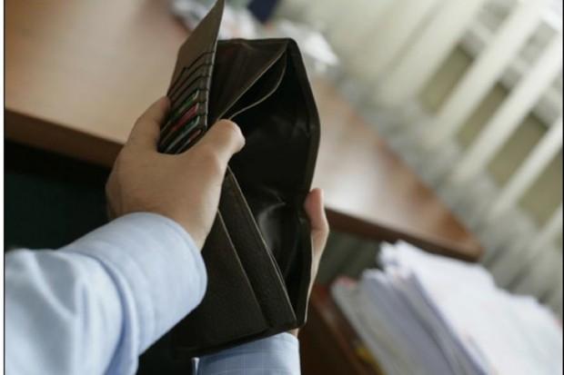 Raport: chorzy na nowotwór często tracą pracę i ubożeją