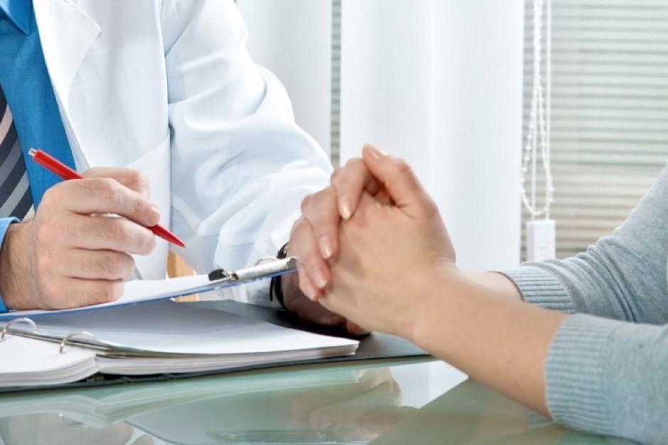 PPOZ apeluje do okulistów i dermatologów: nie przysyłajcie pacjentów po skierowania