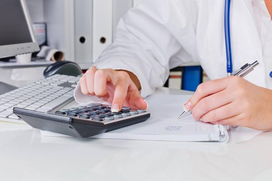 Czy temat oddłużenia szpitali powróci? Niektóre jednostki same sobie nie poradzą