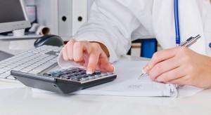 Koszty pośrednie wynikające z chorób trzeba liczyć, ale czy zawsze uwzględniać?