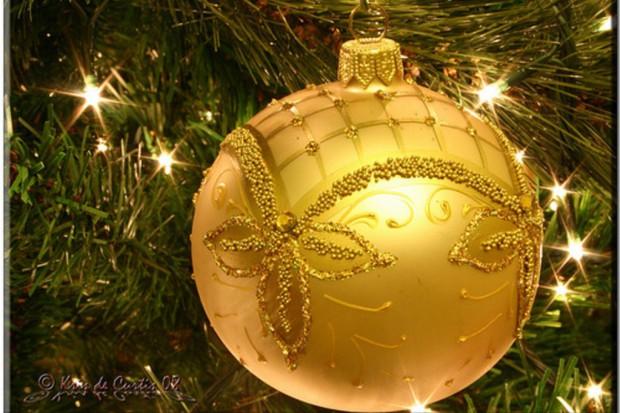 NIL pyta: skąd twierdzenie, że lekarz zarabia na świąteczne wydatki w kilka godzin?