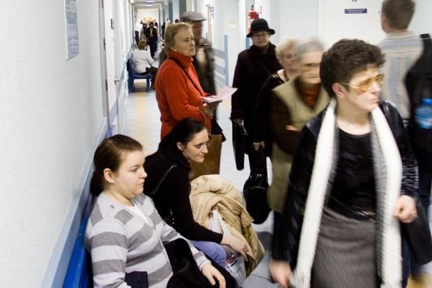 Warszawa: tłumy w Szpitalu Dziecięcym