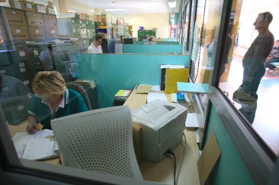 Śląskie: protest trwa, umów nie podpisali również lekarze spoza PZ