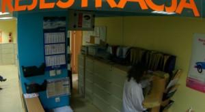 MZ: lekarze POZ wystawili już skierowania na ponad 9 tys. testów na koronawirusa