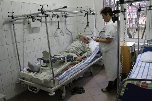 Polskie normy: 1 pielęgniarka na 30 i więcej pacjentów