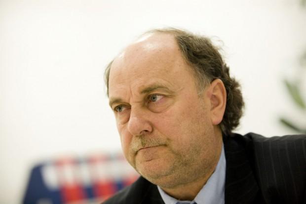 Prof. Krzysztof Selmaj: na SM może zachorować prawie każdy