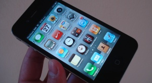 Nowa era testów na COVID-19? Niemiecka firma chce skanować oczy aplikacją w telefonie