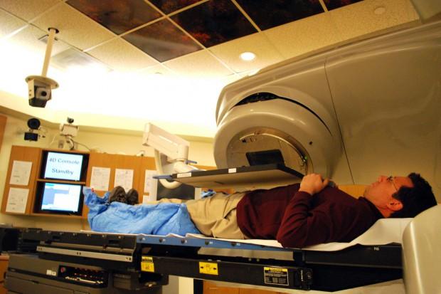 Raport ws. radioterapii protonowej trafi w maju do resortu zdrowia