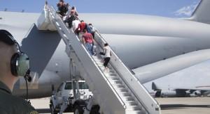 Lekarz siłą wyrzucony z samolotu United Airlines uzyskał odszkodowanie