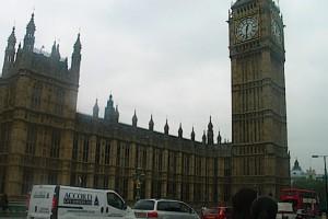 Wielka Brytania: rządowy dokument potwierdza - brexit to m.in. braki na rynku leków