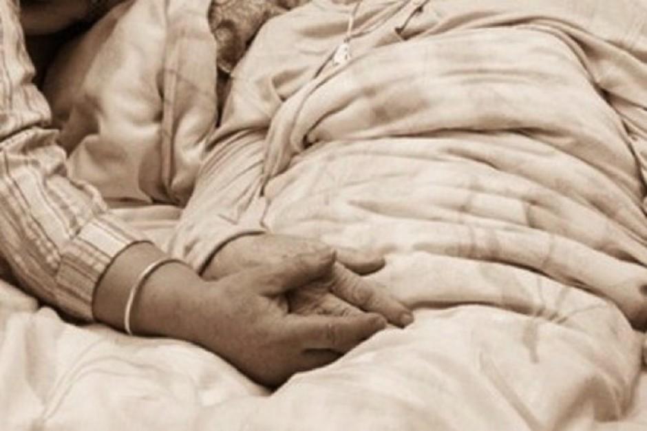 Hospicjom brakuje pieniędzy - nie czas na optymistyczne kampanie